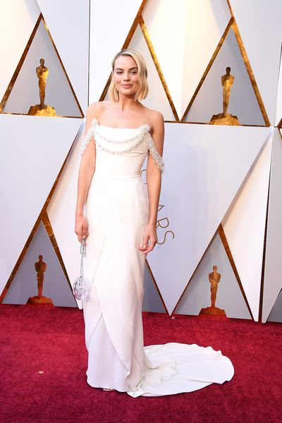 Actress Margot Robbie incustom Chanel Haute Couture