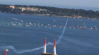 Aussie pilot soars to victory in Red Bull Air Race