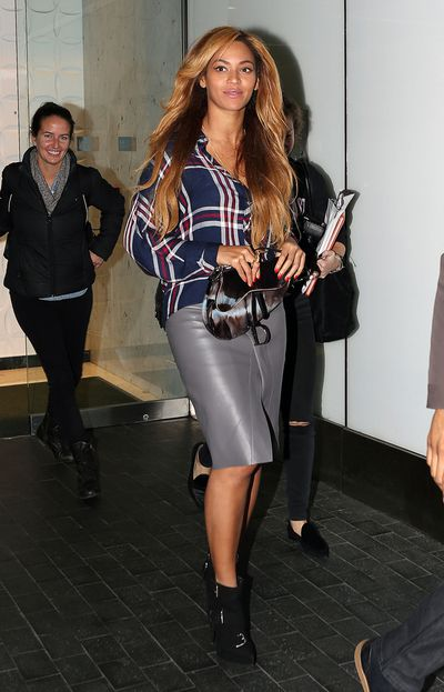 Beyoncé with a Dior Saddle Bag