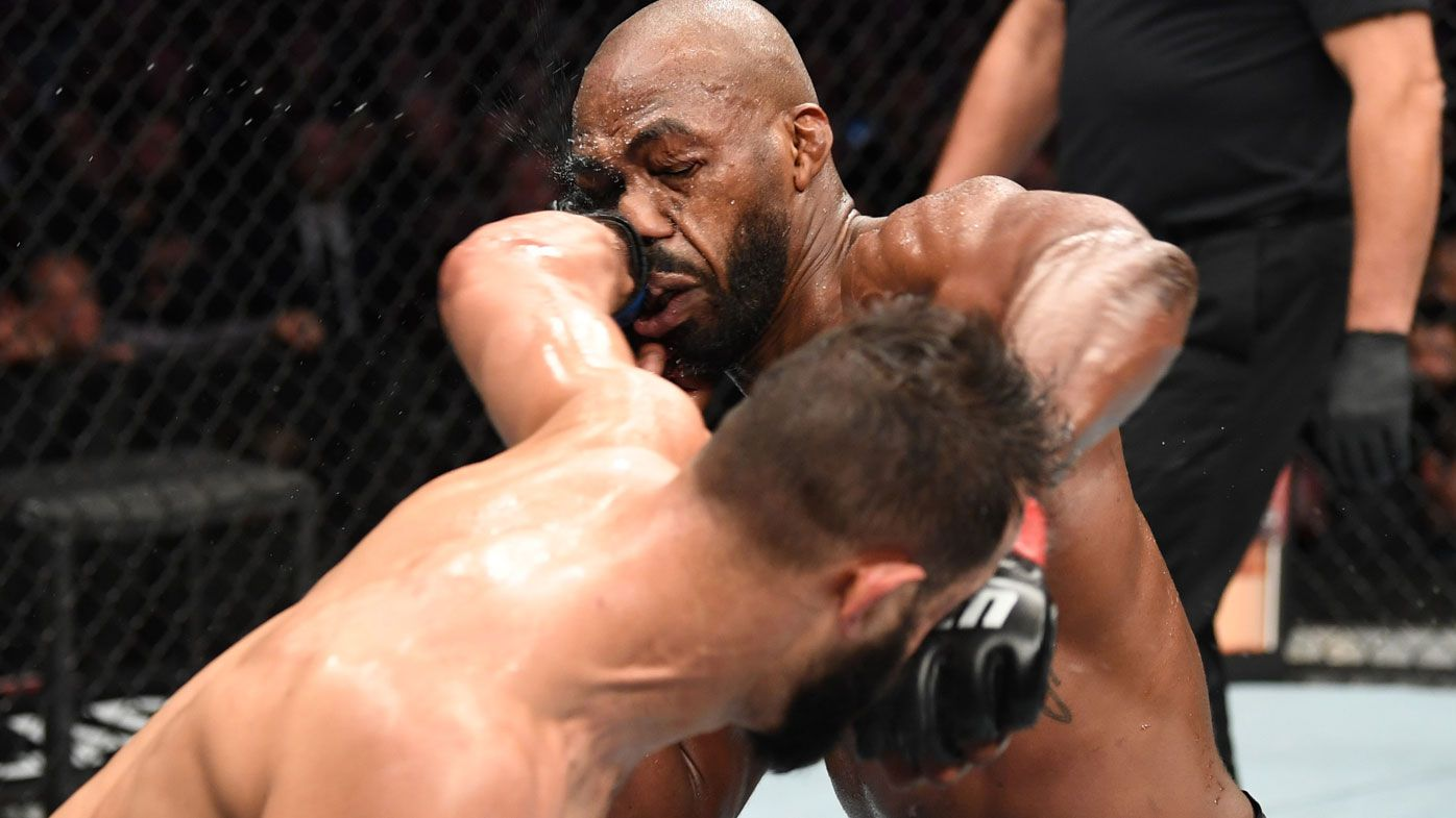 Jon Jones defeats Dominick Reyes under contentious scoring