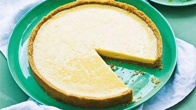 "<a href=""http://kitchen.nine.com.au/2016/05/16/18/24/key-lime-pie"" target=""_top"">Key lime pie</a>"