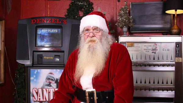 Santa's Pub in Nashville, a karaoke dive bar