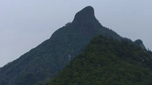 A man died after being struck by lightning on Mount Warning. (9NEWS)