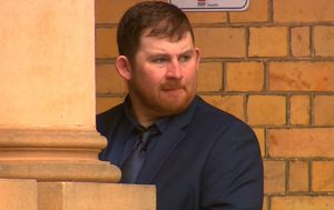 Manslaughter accused 'went for a beer' after dad's death
