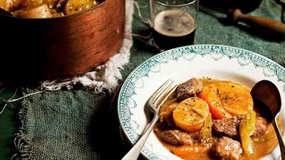 "<a href=""http://kitchen.nine.com.au/2016/05/16/10/54/irish-lamb-stew"" target=""_top"">Irish lamb stew</a>"