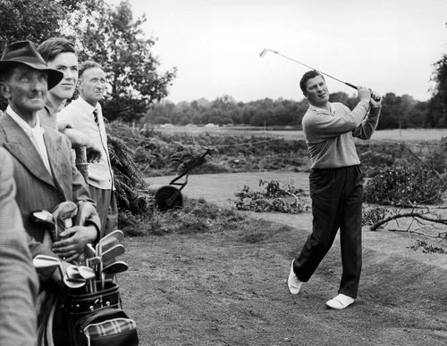 Thomson teeing off in 1958. Picture: AAP