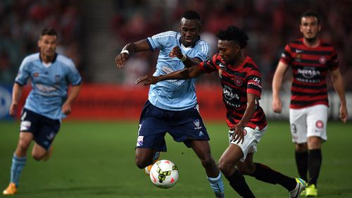 Sydney FC and Wanderers draw 1-1