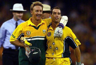 CRICKET: 2001-02 Triangular ODI Series, Game 10 - Australia bt New Zealand by two wickets.