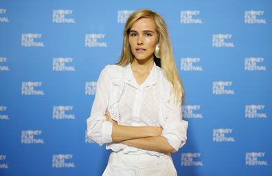 Isabel Lucas, anti-vaxxer, comments, coronavirus