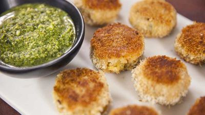 """<a href=""""http://kitchen.nine.com.au/2017/02/17/14/14/anjum-anands-goan-prawn-and-coconut-cakes"""" target=""""_top"""">Anjum Anand's goan prawn and coconut cakes</a><br /> <br /> <a href=""""http://kitchen.nine.com.au/2016/09/13/13/30/freezer-friendly-soup-recipes-to-cook-now-and-later"""" target=""""_top"""">More freezer friendly dinners</a>"""