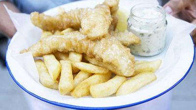"""<a href=""""http://kitchen.nine.com.au/2016/05/20/11/10/the-fish-shops-beerbattered-fish-and-chips"""" target=""""_top"""">The Fish Shop's beer-battered fish and chips</a> recipe"""