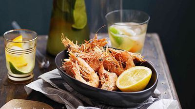 "<a href=""http://kitchen.nine.com.au/2016/05/16/14/25/salt-and-pepper-prawns-with-lemon"" target=""_top"">Salt and pepper prawns with lemon</a>"