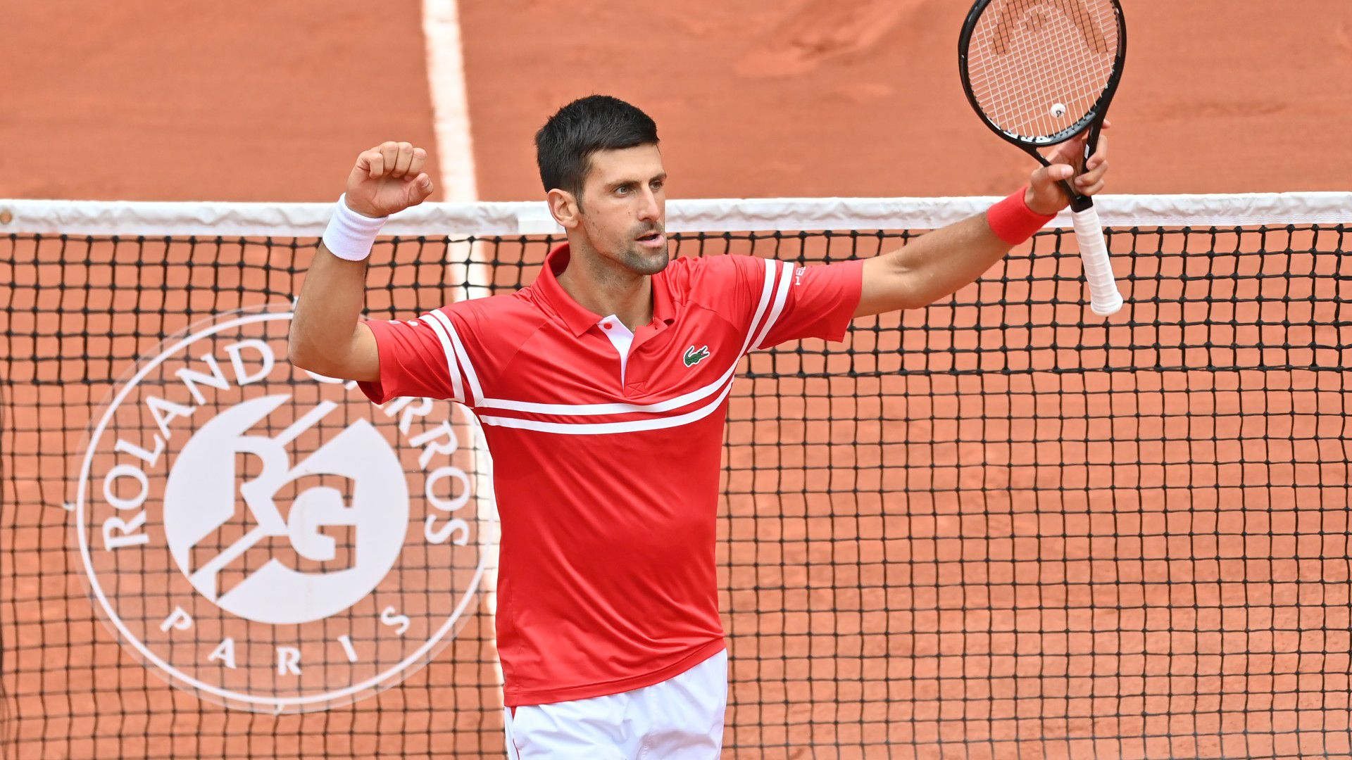 Novak Djokovic safely through to last 16 at Roland Garros