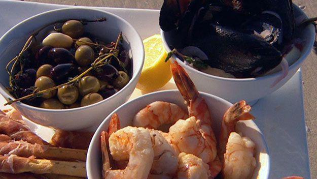 Seafood tapas platter