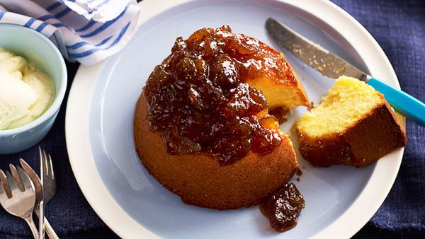 Old-fashioned baked fig pudding