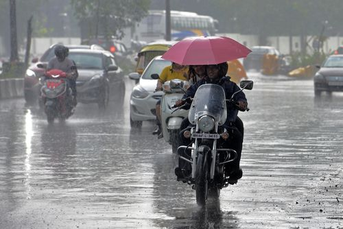 Thundershowers are expected across central Maharashtra, caused by Cyclone Vayu over the east central Arabian Sea. (Photo by Satyabrata Tripathy/Hindustan Times via Getty Images)