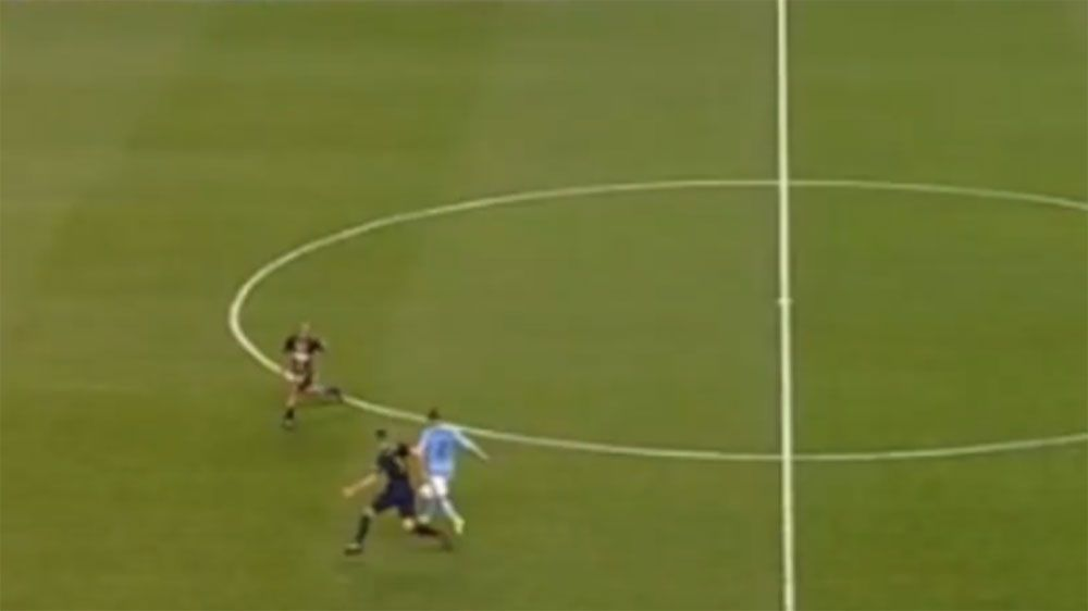 New York City FC striker David Villa scores 50m chip to beat Philadelphia Union