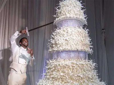 Rapper Gucci Mane's $75,000 wedding cake draped in Swarovski crystals