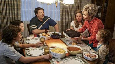 Young Sheldon family eating dinner
