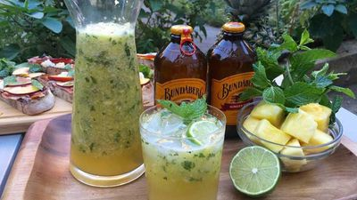 """<a href=""""http://kitchen.nine.com.au/2016/10/28/11/16/spicy-pineapple-ginger-mint-punch"""" target=""""_top"""">Spicy pineapple ginger mint punch</a>"""