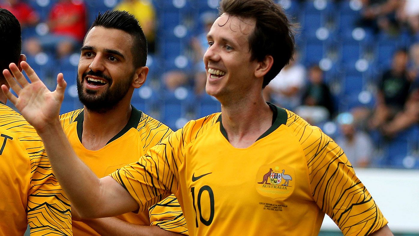 Robbie Kruse joins Melbourne Victory on two-year A-League contract