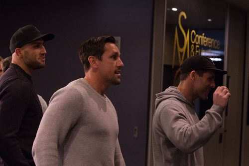 Roosters halfback Mitchell Pearce makes his way into the meeting. (AAP)