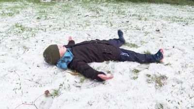 Snow marks start of school holidays