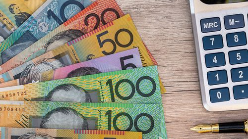 Big banks reduce home loan interest rates after RBA's historic cut