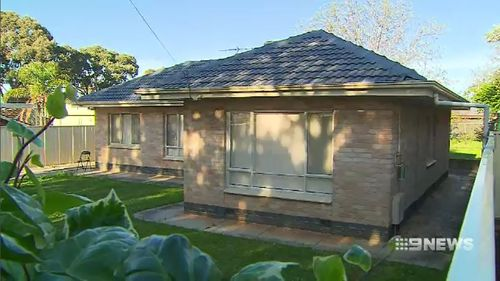 Detectives in Adelaide are hunting for a gang of at least three killers over the suspicious death of a man at his Para Vista home.