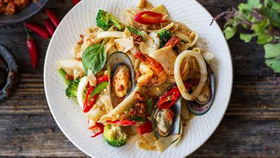 """<a href=""""http://kitchen.nine.com.au/2016/05/20/10/12/drunken-noodles"""" target=""""_top"""">Drunken noodles</a> recipe"""