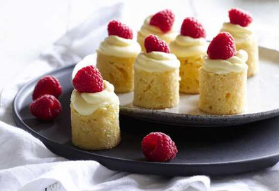 Mini white chocolate and raspberry mudcakes