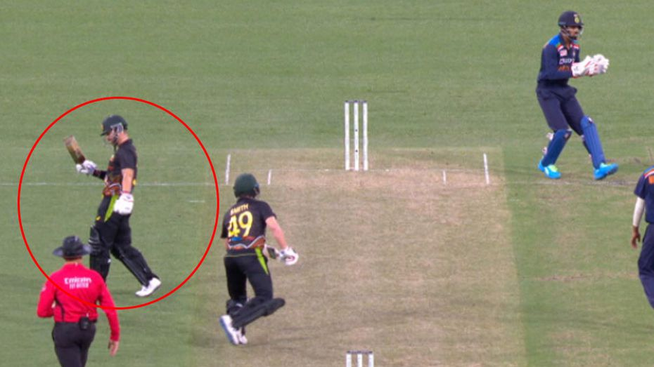 Matthew Wade run out by bumbling Virat Kohli in bizarre sequence of events