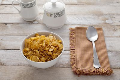 <strong>Cornflakes (550 mg of sodium per 100 grams)</strong>
