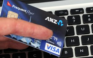 Aussie credit card customers ripped off $6.3 billion in savings as banks withhold rate cuts