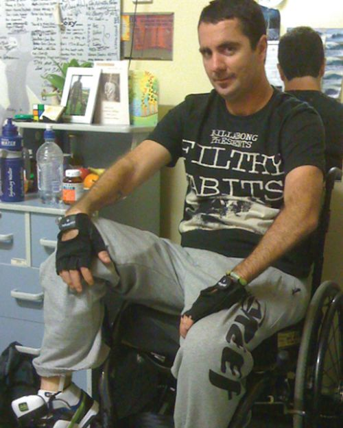 Darren broke his C6 and C7 vertebrae but is still able to swim and paddleboard. Picture: Supplied.
