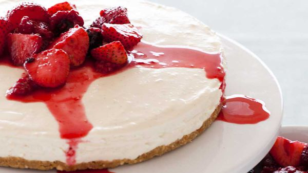 Vanilla cheesecake with vanilla-poached berries thumbnail courtesy of Heilala Vanilla