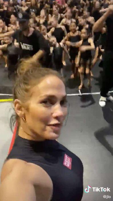 Jennifer Lopez, TikTok, video
