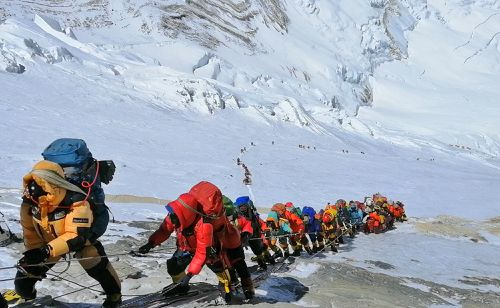 More people are flocking to Mount Everest on climbing expeditions, resulting in a growing garbage problem for local Sherpas.