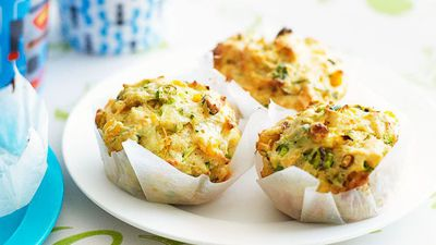 "<a href=""http://kitchen.nine.com.au/2016/05/16/16/57/zucchini-and-corn-muffins"" target=""_top"">Zucchini and corn muffins</a><br> <br> <a href=""http://kitchen.nine.com.au/2017/02/01/10/50/food-fight-muffin-v-breakfast-bars"" target=""_top"">More 'meals on the move' breakfast recipes</a>"