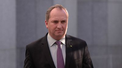 Nationals MP and Agriculture Minister Barnaby Joyce has said the Coalition could dissolve if Mr Abbott is deposed, with the Nationals splitting from the Liberals.
