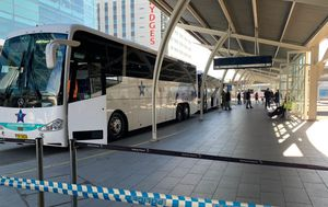 Passengers in turmoil as Sydney Airport slashes overseas arrivals