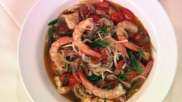 Hot & sour prawn noodles