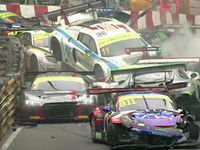 Huge pile-up in Macau GP