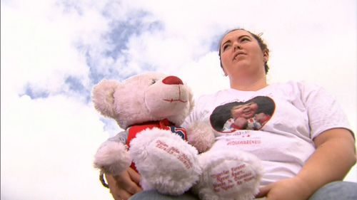 Dylan's mum Jennifer had the baby's ashes put in a teddy bear to commemorate him. (9NEWS)