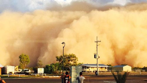 Enormous dust storm engulfs remote Queensland town