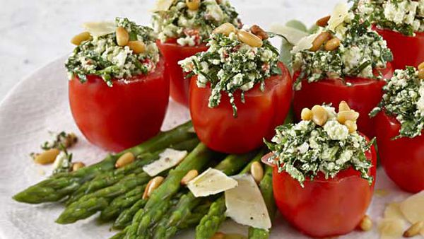 Feta and spinach stuffed pepper tom