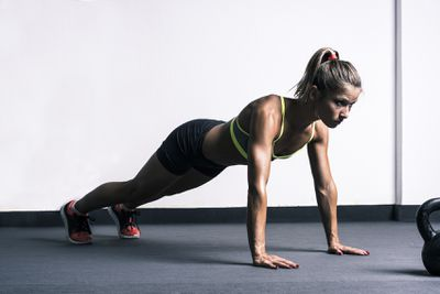 <strong>Close-grip push-ups</strong>