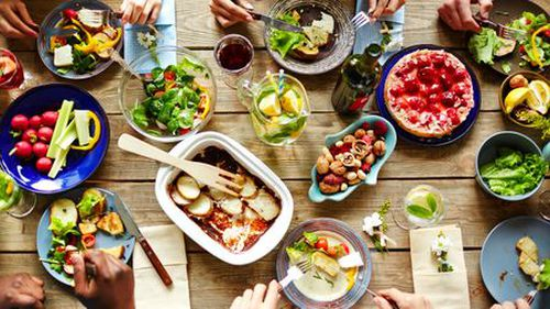 Health experts say depression treatment needs to change to incorporate healthy eating.  (AAP)