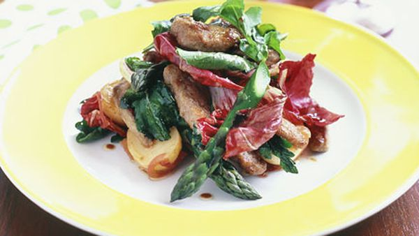Warm beef salad with rocket, radicchio and potato