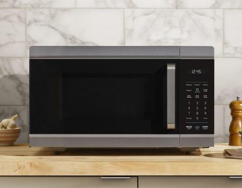 Amazon announced a microwave-convention oven-fryer-warmer hybrid.